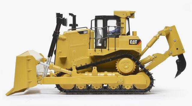 Kettendozer CAT D9T Bausatz lackiert mit Hydraulik